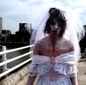 2007-04-07 -- United Kingdom -- England -- London -- Flashmob -- Fleshmob -- Zombie Walk -- Zombies -- Zombie Bride